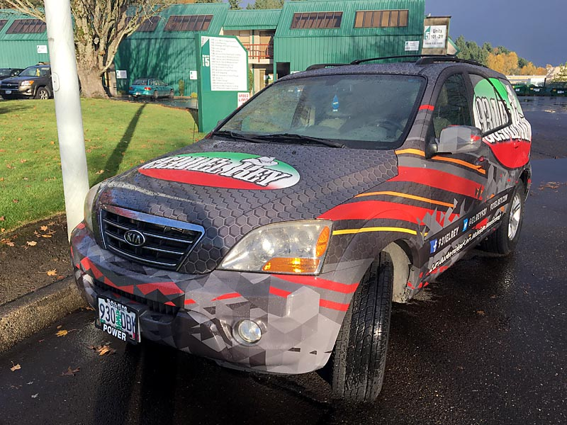 93.1 El Rey is a successful vehicle wrap because its simple and eye catching