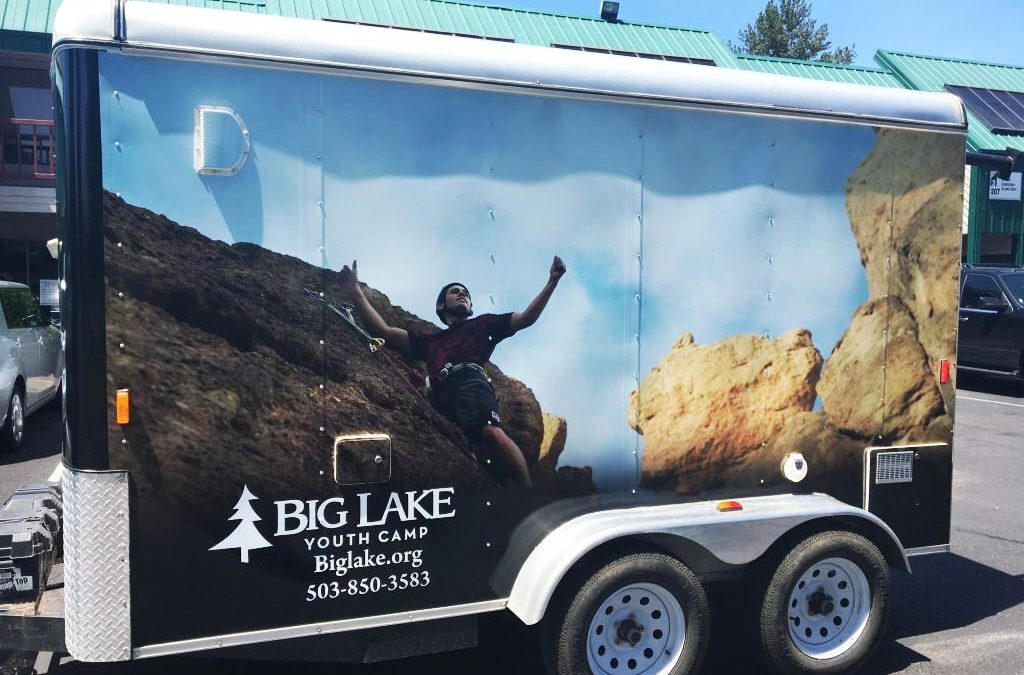 How to Use Vehicle Graphics to Connect and Inspire