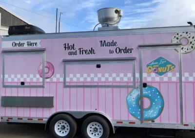 Cascade Wraps Auntie Ems pink food trailer
