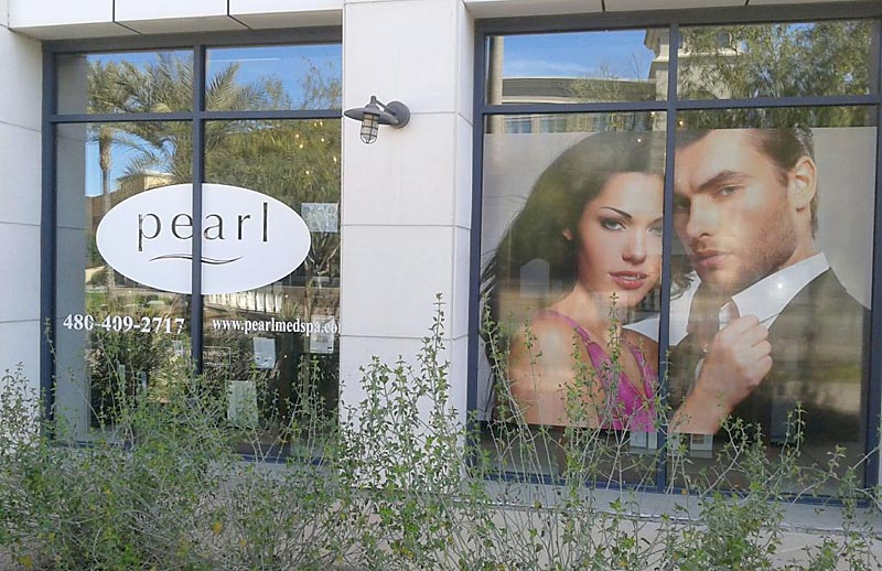 7 Reasons You Should Consider Vinyl Window Graphics in your Brick and Mortar Business